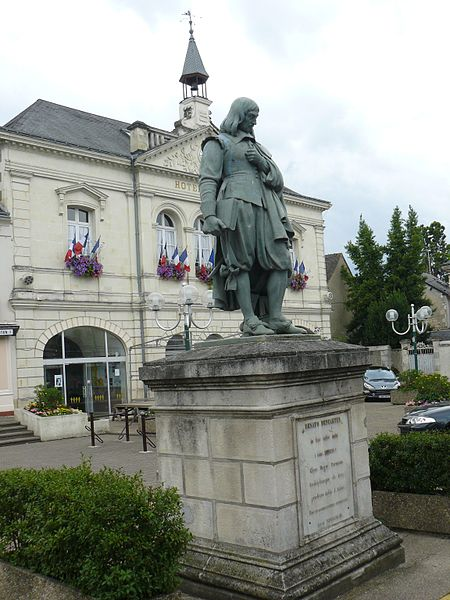 Descartes town hall with the statue of the philosopher.